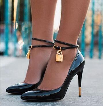 gold lock pointy stiletto sexy fashion pumps designer