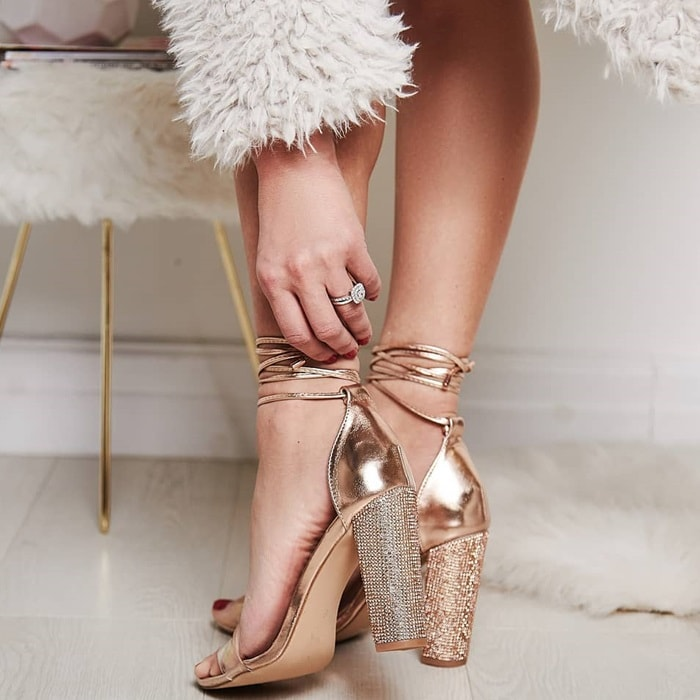 Dropshipping Size34-43 Women Heeled Sandals Bandage Rhinestone Ankle Strap Pumps Super High Heels 11 CM Square Heels Lady Shoes