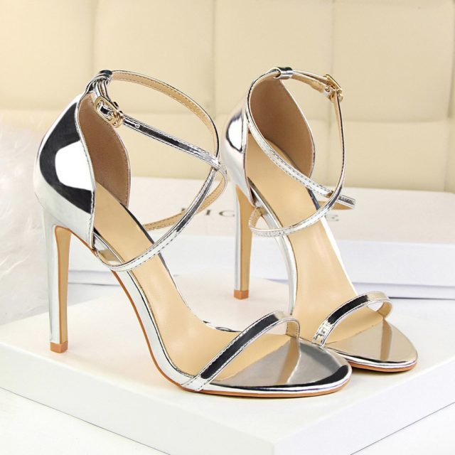 2018 Summer Fashion Women Sexy Fetish Thin Heels Sandals Female PU Open Toe Black Gold Cross Strap Sandals Party Wedding Shoes