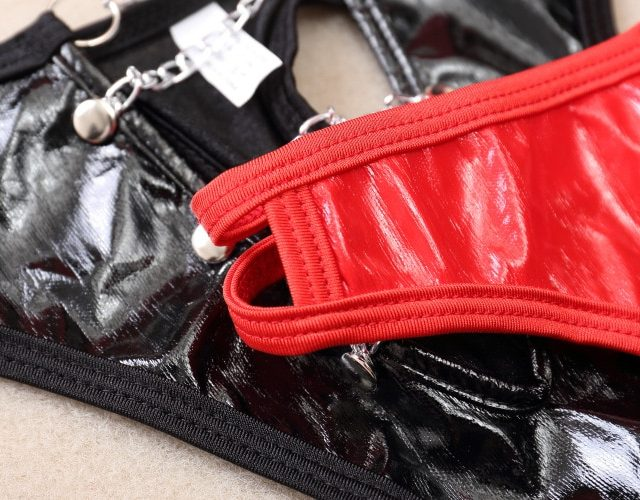Free Shipping Interlocking Ring Iron Chain Fun Couple Gay Unisex Underwear Sexy PVC Faux Leather Fetish Short Briefs Black Red