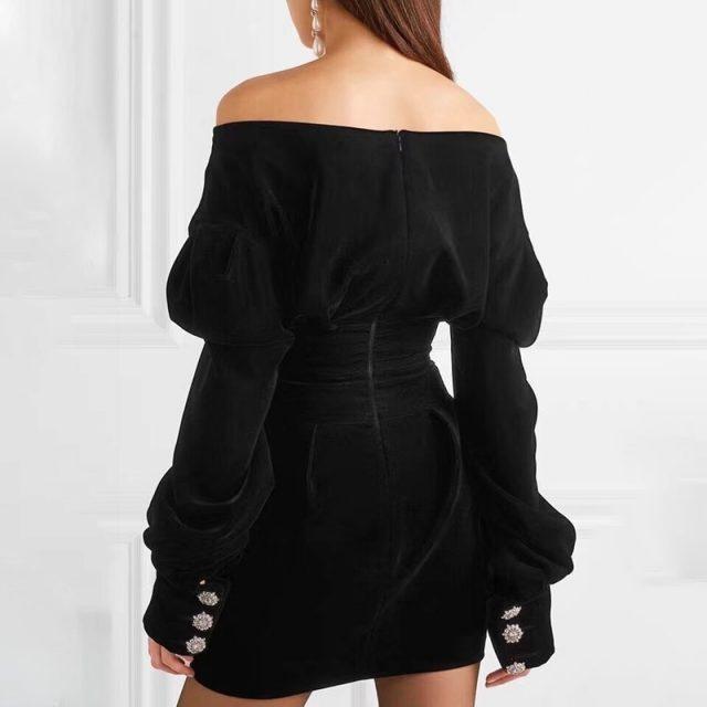TWOTWINSTYLE Off Shoulder Velvet Party Dress Women Puff Long Sleeve Black Mini Dresses Female Big Sizes Sexy Fashion Autumn 2018
