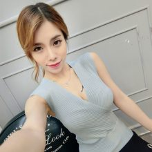 Crop Tops Women 2018 Cropped Sexy Summer Fashion Women V-neck Tank Tops White Black Pink Blue Sleeveless Vetement Femme mujer