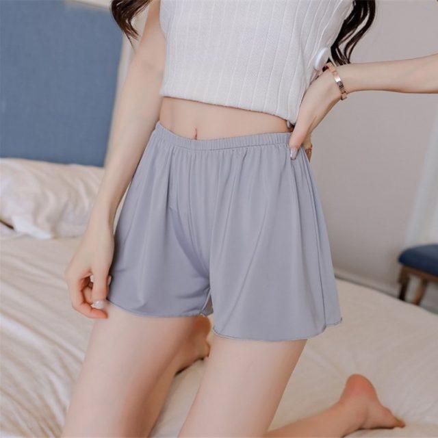 Korean Women Fashion Summer Loose Sexy Casual White Mini Shorts Ladies Women Beach Black Plus Size Shorts Femme 2018 L-3XL