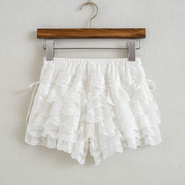 Women Sexy Lace Shorts Elastic Waist Shorts Cute Japanese Style Mori Girl Lolita Lace Summer 2018