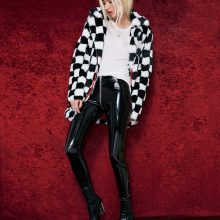 2019  Women Sexy Shiny PU leather Leggings with Back Zipper Push Up Faux Leather Pants Latex Rubber Pants Jeggings Black Red